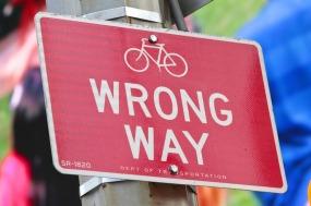 wrong-way-429723_1280 (1).jpg